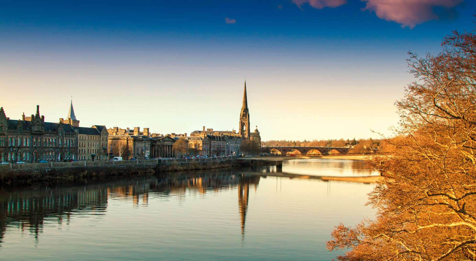 Perth historic city and River Tay